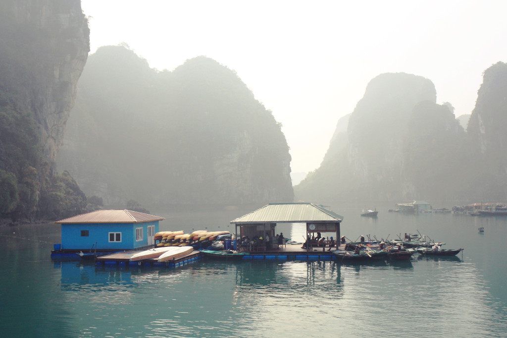 halong bay junk boats