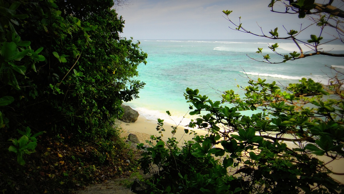 hidden beaches bali ungasan