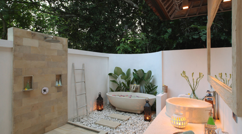 villa shamballa moon bali outdoor bathrooms - Outdoor Bathroom