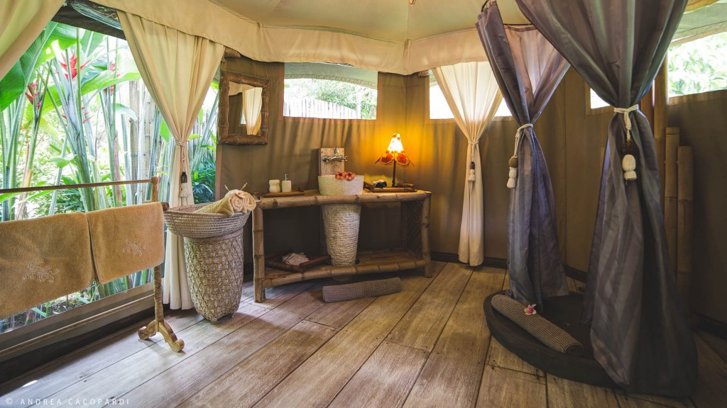 sandat glamping bali outdoor bathrooms