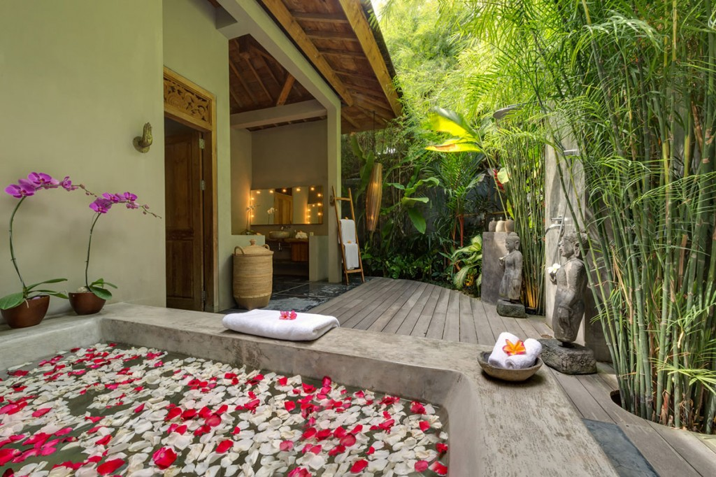 villa shambala seminyak bali outdoor bathrooms - Outdoor Bathroom