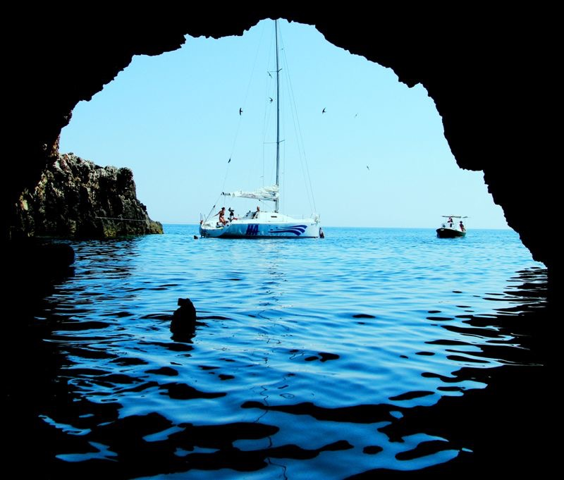 hidden-places-in-croatia-blue-cave-2